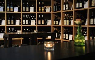 Rode wijn koud of kamertemperatuur